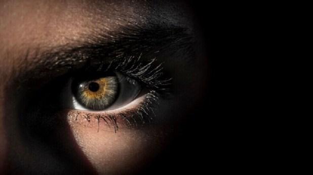 مشكلات تحدث بالعين قد ينذر ظهورها بمرض باركنسون