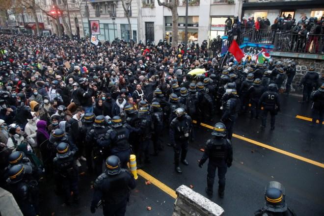 منظمة العفو الدولية: عمليات توقيف المحتجين في 12 ديسمبر بفرنسا كانت تعسفية #RT_Arabic