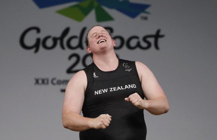 لأول مرة في التاريخ.. رجل تحول إلى امرأة يشارك في الأولمبياد (فيديو)