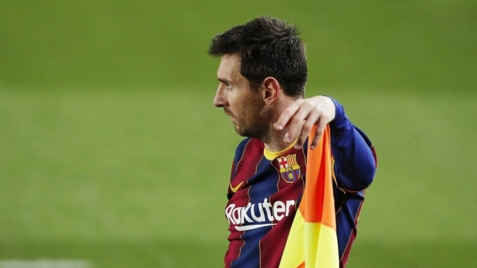 Source: Messi informed Barcelona president of his final decision about his future with the club