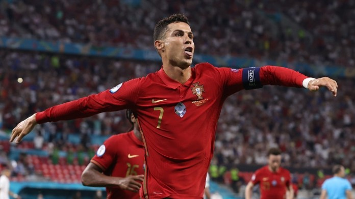 Watch .. Ronaldo leads Portugal to the final price