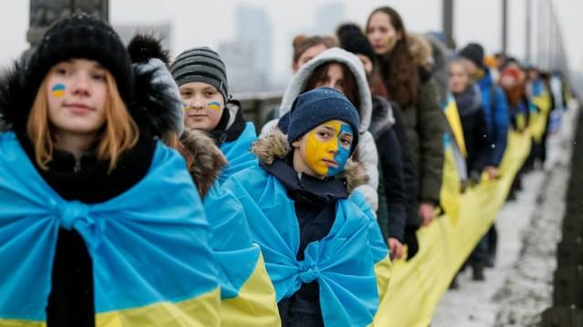 «Перепрошивка сознания»: американская НКО собирается привлекать украинскую молодёжь в политику