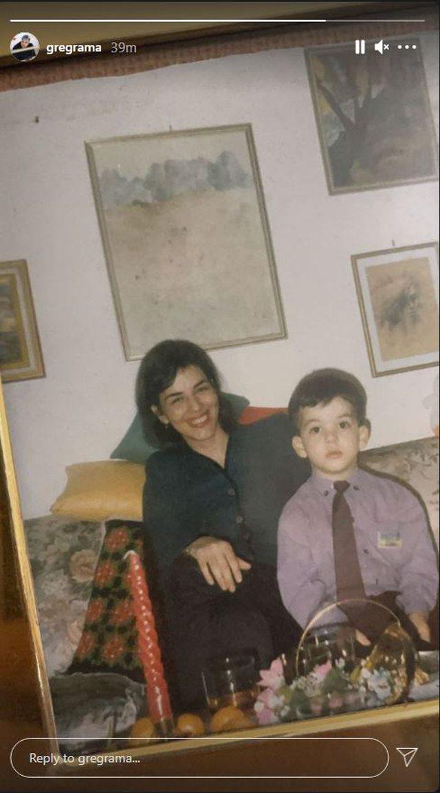 8 Marsi/ Greg Rama publikon foton e rrallë me të ëmën