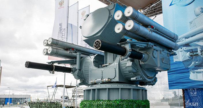Sistema de defensa aerea Pantsir-ME, presentado en el Salón Naval Internacional de San Petersburgo