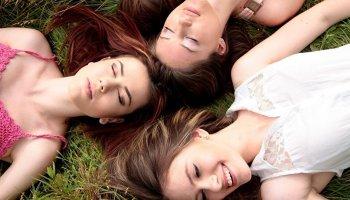 Tres mujeres juntas