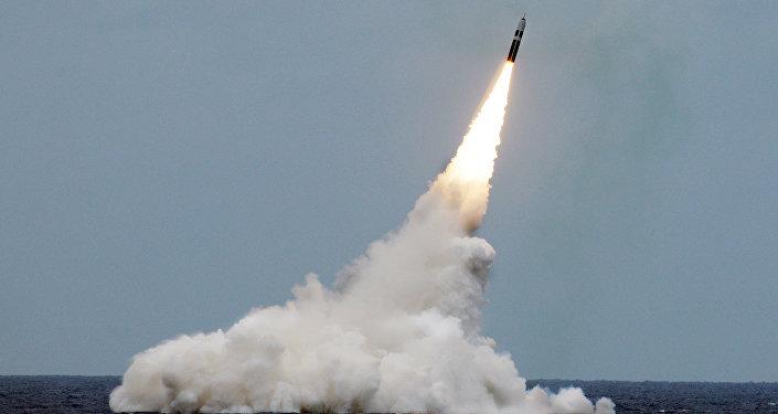Lanzamiento de un misil balístico Trident II D5