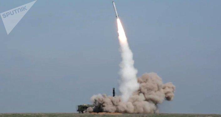 Lanzamiento de misiles de los sistemas tácticos Iskander-M (archivo)