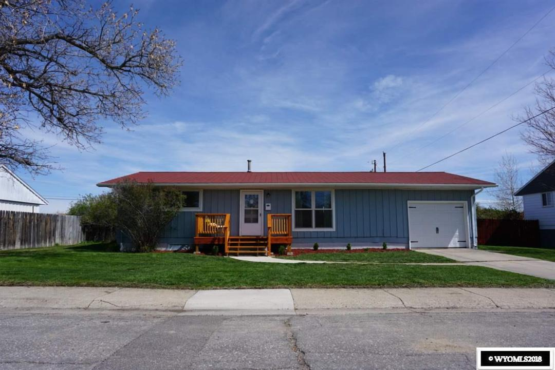 Lovely refinished home on a large lot in a quiet neighborhood. This home is a wonderful family home. Big windows provide ample sunlight in common areas, and the large backyard is wonderful for children, pets, and barbecues in the summer! A refinished basement with a small bar makes for a fun social space, and the large kitchen makes cooking with company very easy and enjoyable.