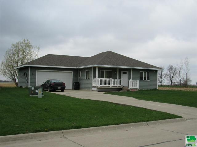 Property for sale at 408 Oak Unit: St, Salix,  IA 51052