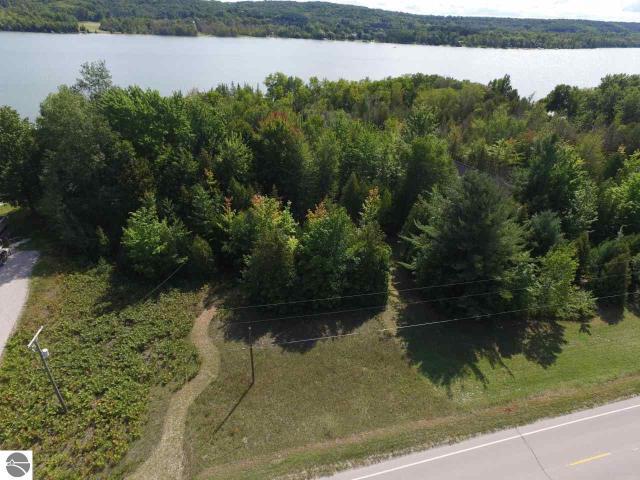 Property for sale at 1535 S Lake Shore Drive, Lake Leelanau,  MI 49653
