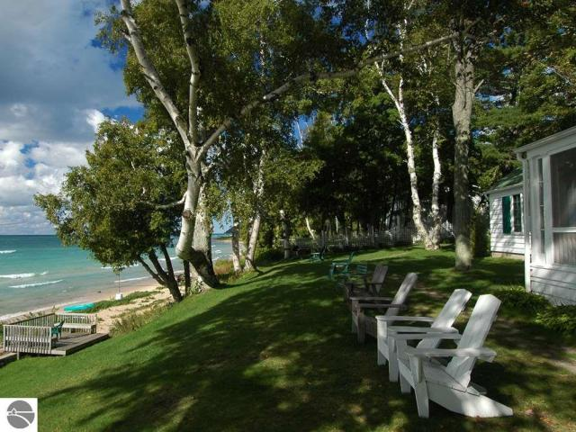 Property for sale at 29 N Manitou Trail, Lake Leelanau,  MI 49653