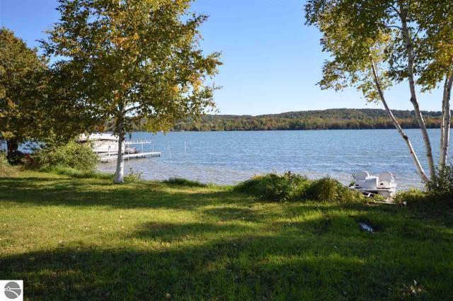 Property for sale at 2181 S Lake Shore Drive, Lake Leelanau,  MI 49653