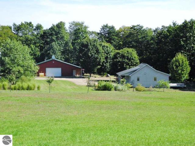 Property for sale at 5544 E Kabat Road, Cedar,  MI 49621