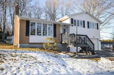 55 Pinehaven Drive, Beaver Bank, NS B4G 1A7, 4 Bedrooms Bedrooms, ,2 BathroomsBathrooms,Residential,For Sale,55 Pinehaven Drive,202002128