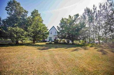 1230 Highway 6, Warren, NS B4H 3Y2, 4 Bedrooms Bedrooms, ,1 BathroomBathrooms,Farm,For Sale,1230 Highway 6,202018459