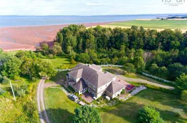2360 Pereau Road, Lower Blomidon, NS B0P 1H0, 6 Bedrooms Bedrooms, ,5 BathroomsBathrooms,Residential,For Sale,2360 Pereau Road,202018753