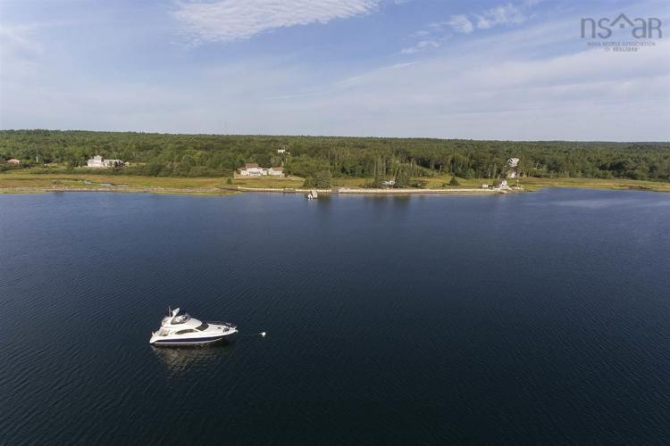 100 McGinnis, Mahone Bay, NS B0J 2E0, 5 Bedrooms Bedrooms, ,3 BathroomsBathrooms,Residential,For Sale,100 McGinnis,202023980