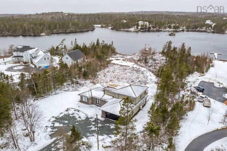 331 Lakeshore Road, Hammonds Plains, NS B4B 1E7, 3 Bedrooms Bedrooms, ,2 BathroomsBathrooms,Residential,For Sale,331 Lakeshore Road,202100350