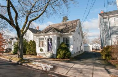 6383 Young Street, Halifax, NS B3L 1A2, 3 Bedrooms Bedrooms, ,2 BathroomsBathrooms,Residential,For Sale,6383 Young Street,202100704