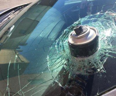 https://i2.wp.com/cdnph.upi.com/ph/st/th/1691495821699/2017/i/14958219439942/v1.2/Hairspray-can-explodes-in-hot-car-embeds-itself-in-windshield.jpg