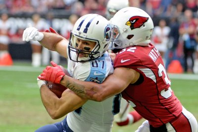 New England Patriots work out WR Eric Decker, sign Brian Schwenke New England Patriots work out WR Eric Decker sign Brian Schwenke