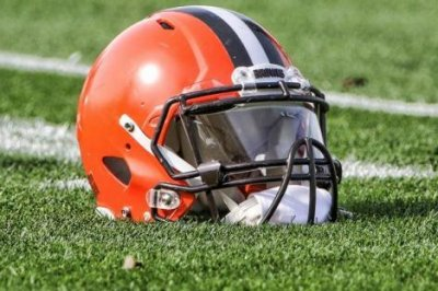 Browns QBs Taylor, Mayfield escape injuries Browns QBs Taylor Mayfield escape injuries
