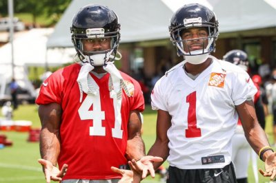 Oakland Raiders sign S Quincy Mauger Oakland Raiders sign S Quincy Mauger