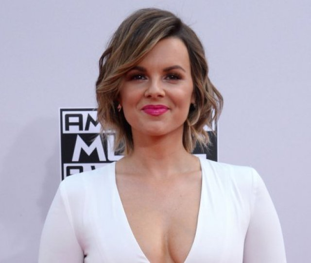 Bachelorette Alum Ali Fedotowsky Gives Birth To Son