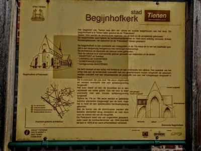 Welkom in Tienen  A beguinage was a world in itself. This was because these courts were located on the outskirts of the city and were also walled. Beguines we by theoherbots