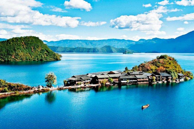 Danau Lugu, China
