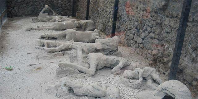 """Image result for mayat - mayat di Pompeii"""""""