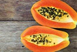 4 Bahaya Kesehatan Akibat Kebanyakan Makan Pepaya, Sudah Tahu?