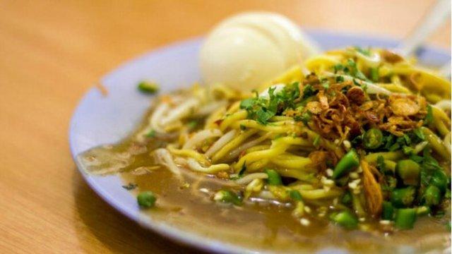 makanan unik khas indonesia Mie Lendir