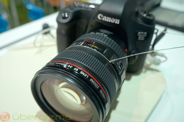 Full-Frame Canon EOS 6D MK II Rumored To Sport Articulating LCD