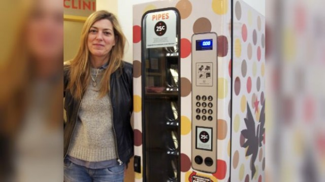 crack-pipe-vending-machine
