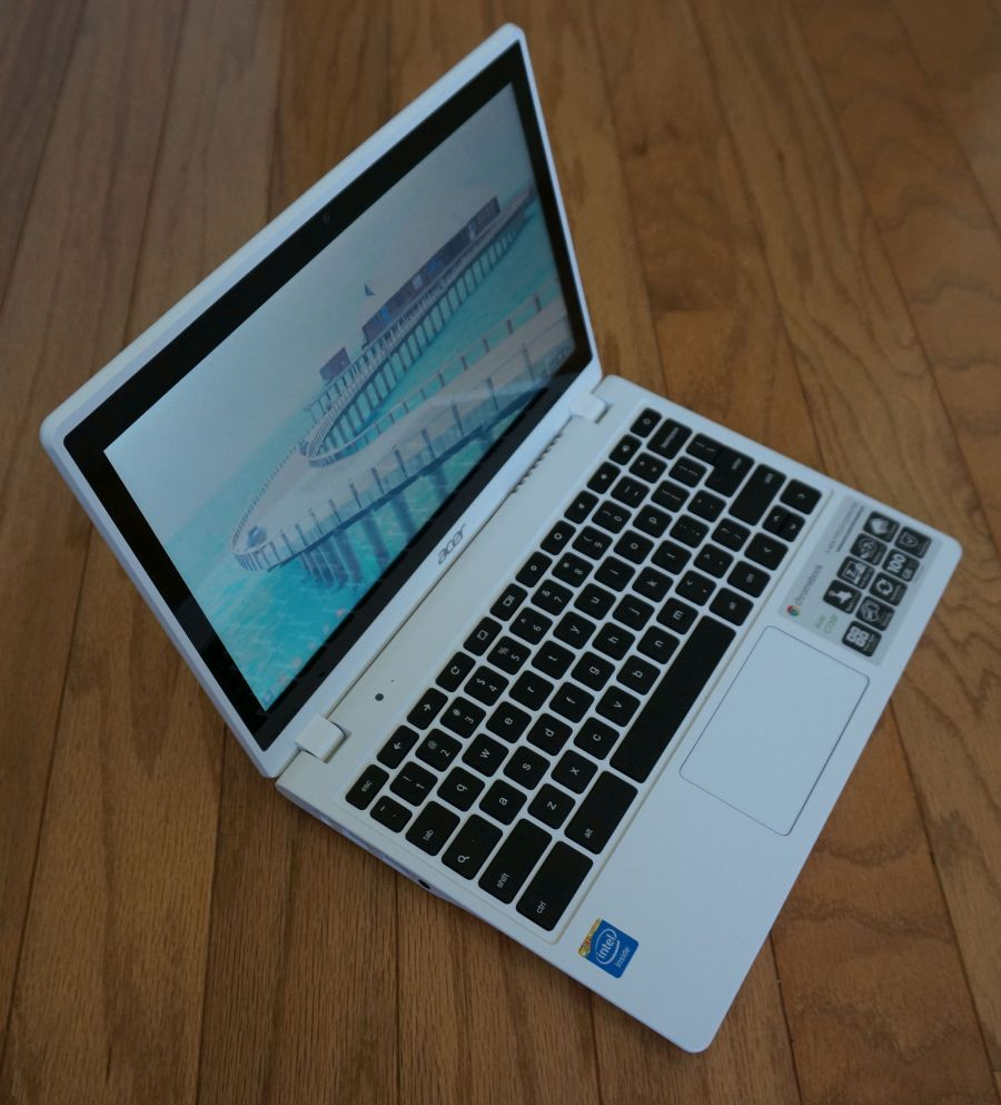 Asus C720P - left side angle