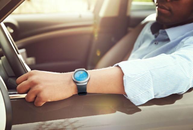Gear-S2-watch_lifestyle__02