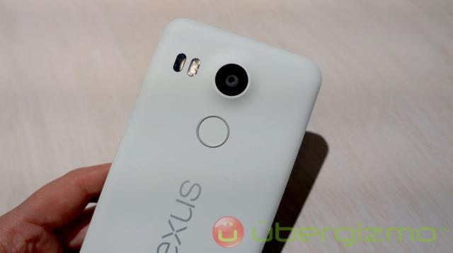 Nexus-5X-white-04