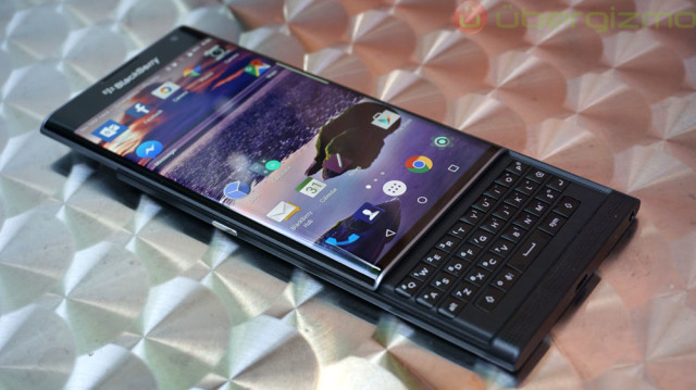 blackberry-priv-review_ubergizmo_05