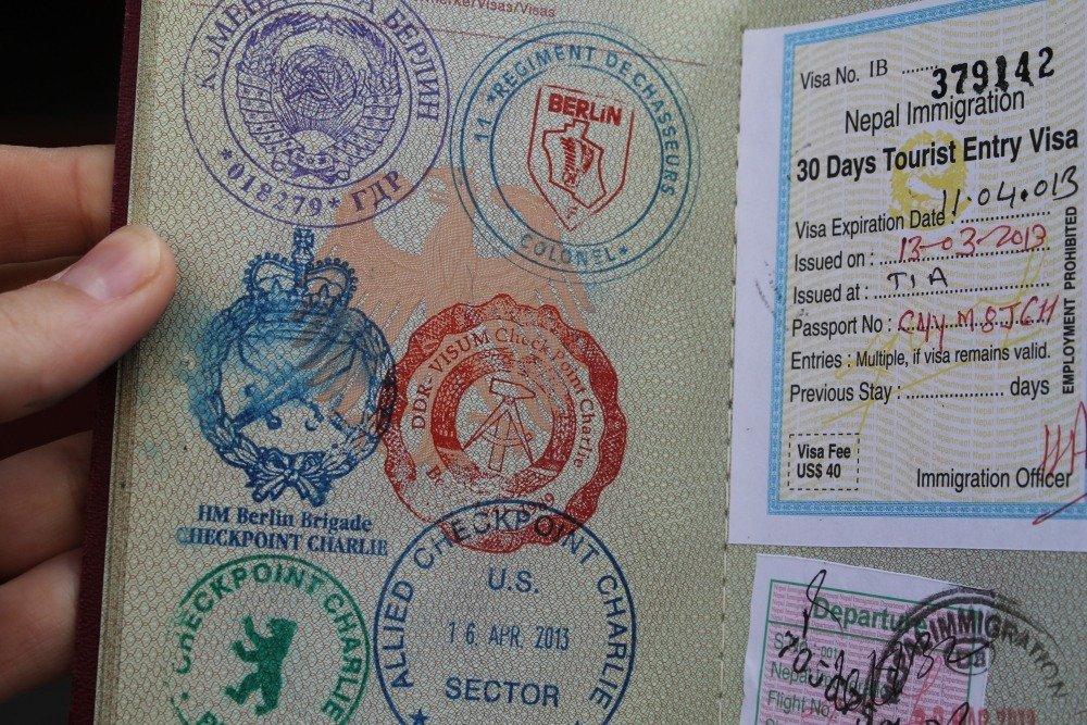 15 carimbos legais para o seu passaporte stamp cool checkpoint charlie apure guria