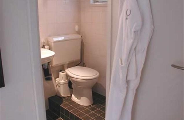 banheiro houseboat amsterdam