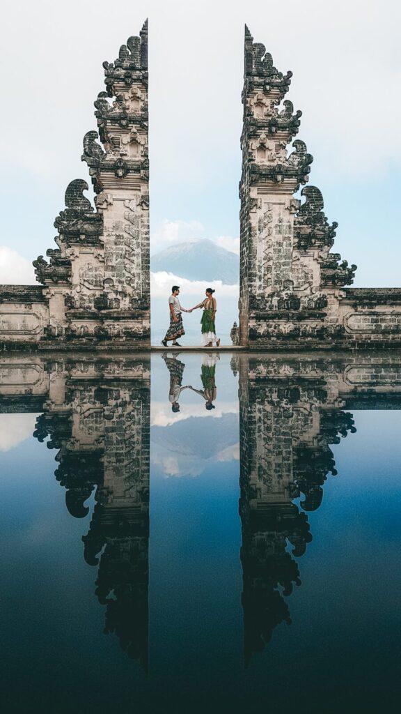 Foto espelhada no Lempuyang