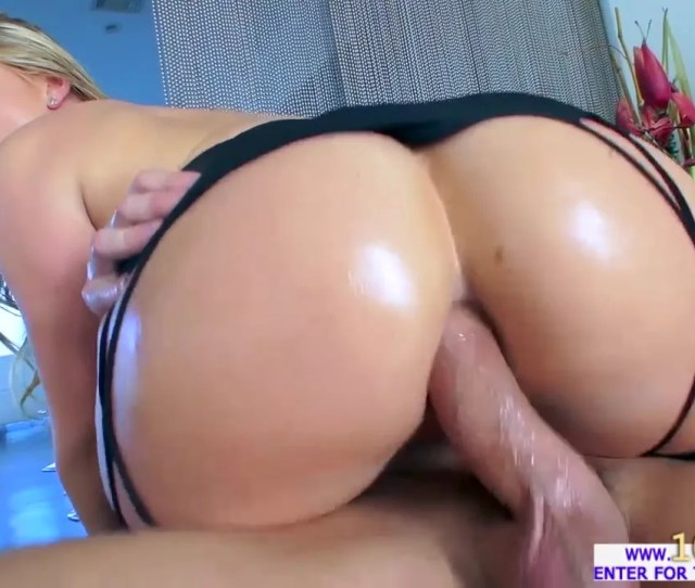 Big Ass Aj Applegate Gets Her Ass Tested By Fucking Machine Will Power