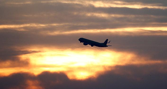 Uçak- Turist- Havalimanı