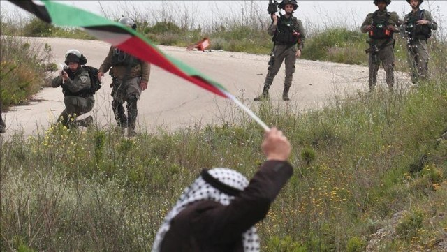 Israeli army injures Palestinian in West Bank clashes