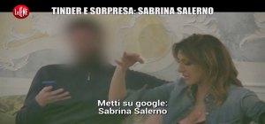 """SABRINA SALERNO A """"TINDER E SORPRESA""""/ Video Le Iene: tra chi scappa e chi…"""