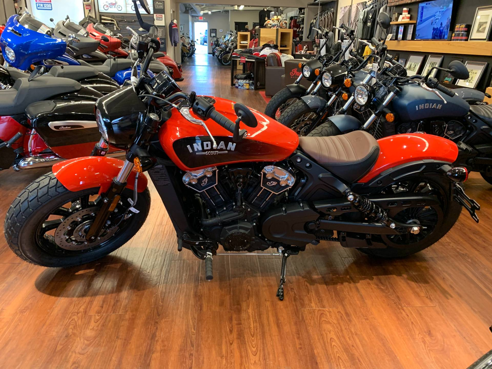 https www musiccityindianmotorcycle com motorcycles indian scout bobber abs icon 2021 nashville tn 172104b7 6e13 4136 a35c ac48017193c3