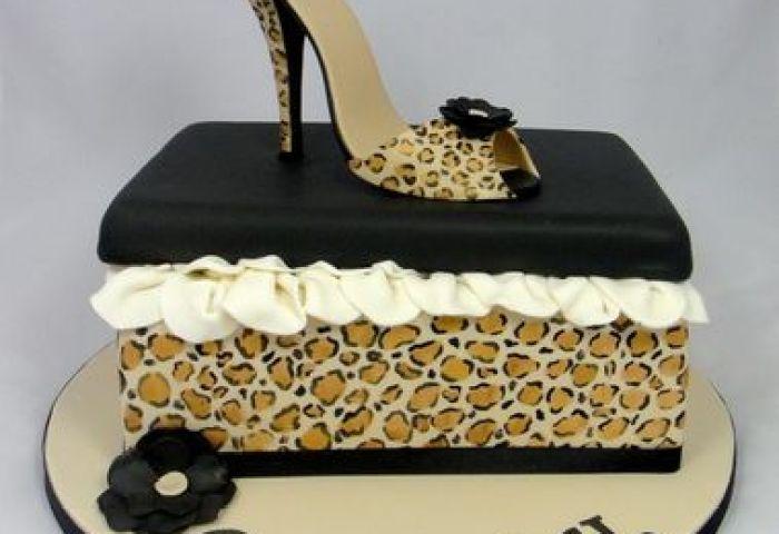 Fancy Cakes By Linda Stevenage Gb Cakedecorproscom