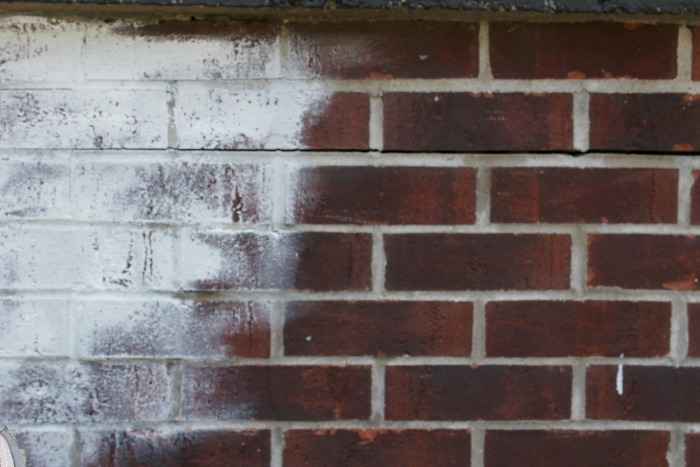 How to Whitewash Exterior Brick in 3 Easy Steps! -