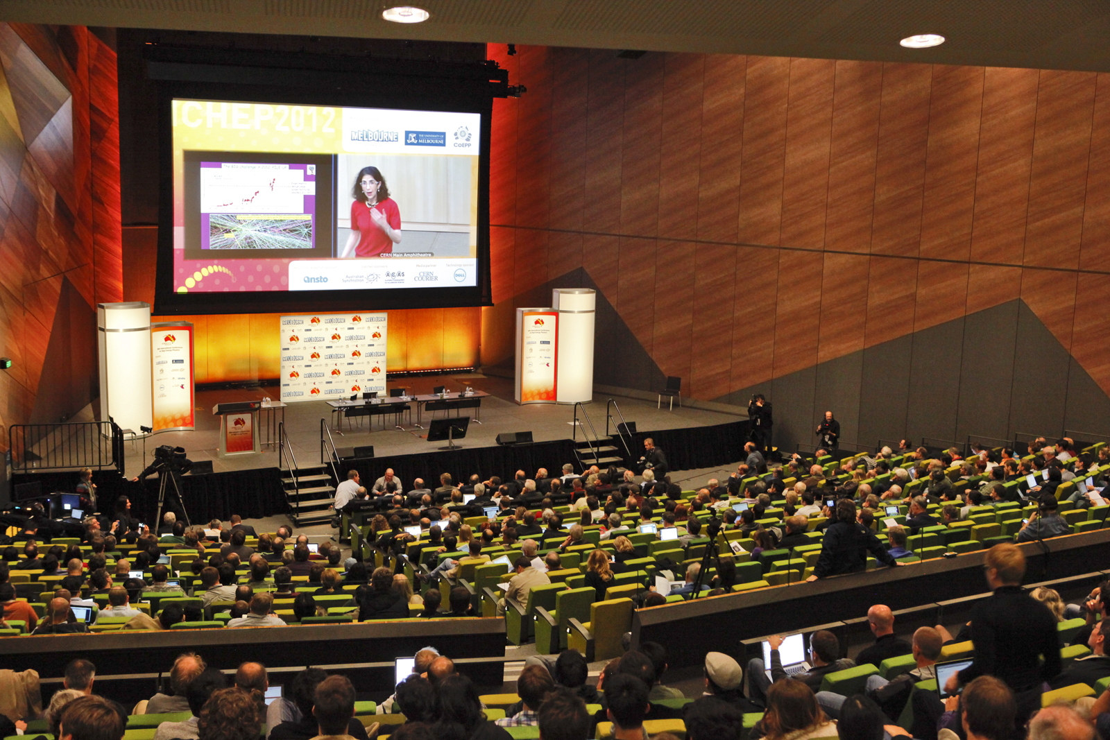 Crowds watch the historic seminar from Melbourne, Australia (CERN)